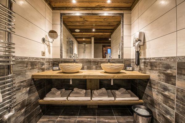 Salle de bains suite familiale les Jockeys